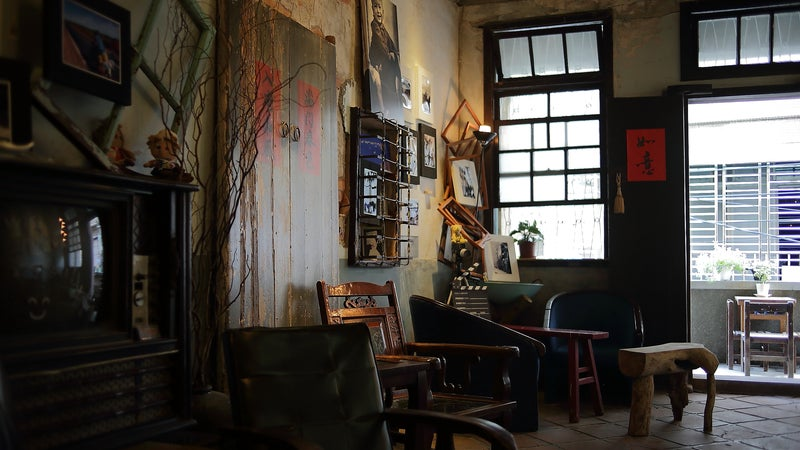 a room filled with antique furniture